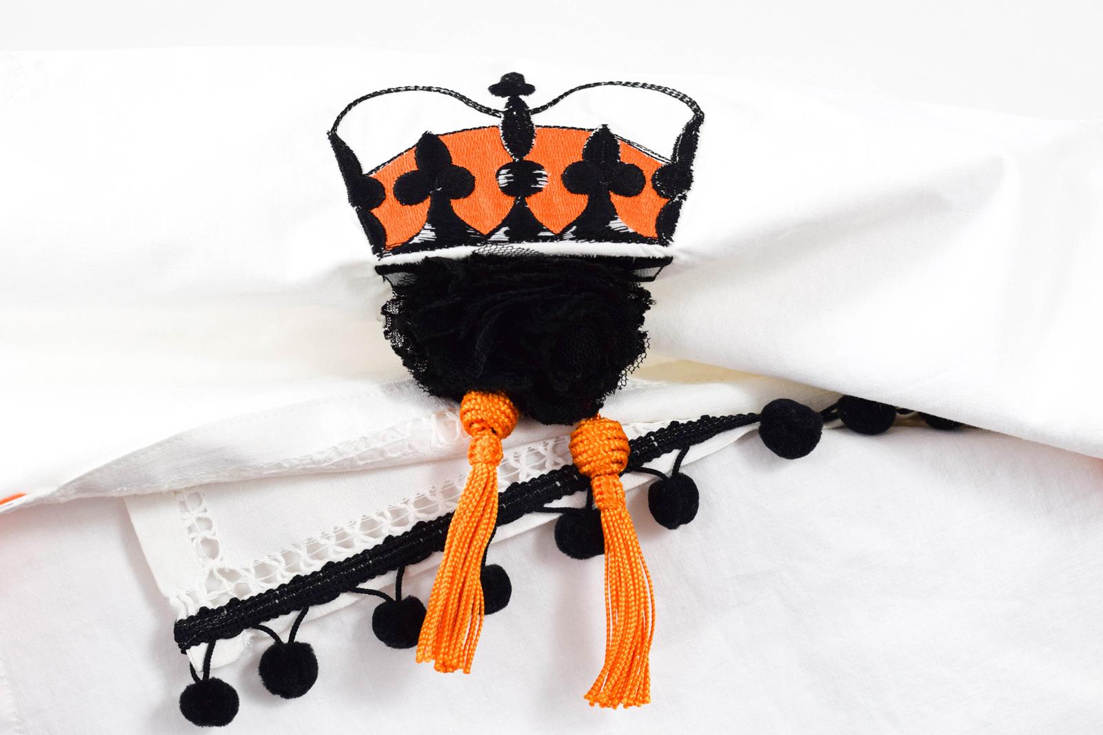 Queen-horizontal-zoom